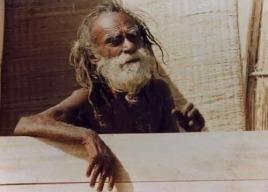 Индия. Девраха Баба —  целитель, йог проживший 200 лет